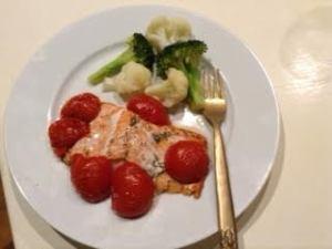 roasted salmon w: tomatoes & broc:caulif