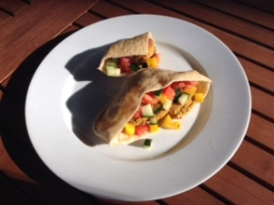 Falafel in pita w: veg salad