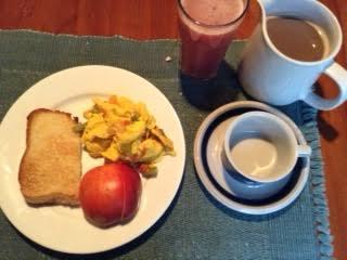 Vegetable Scramble w: toast, apple