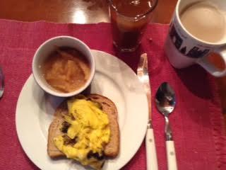 Egg-mushroom toast w: applesauce