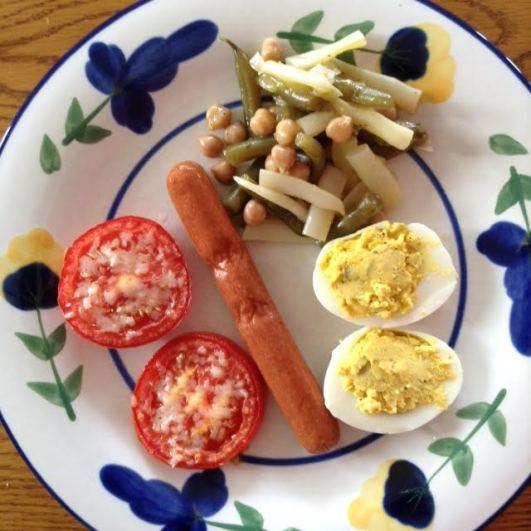 Hot Dog w: 4-bean salad