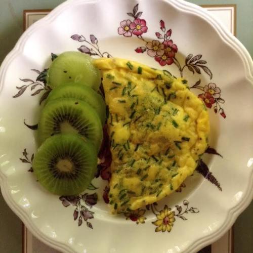 Parmesa-Chive Bake w: kiwi