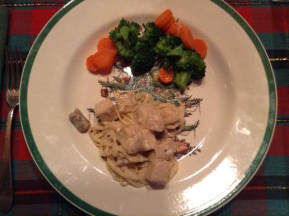 Chicken Tetrazzini w: broc:carrots