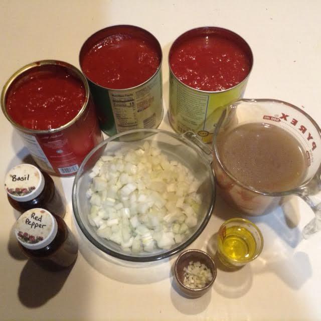 Sukey Pasta, mise 1