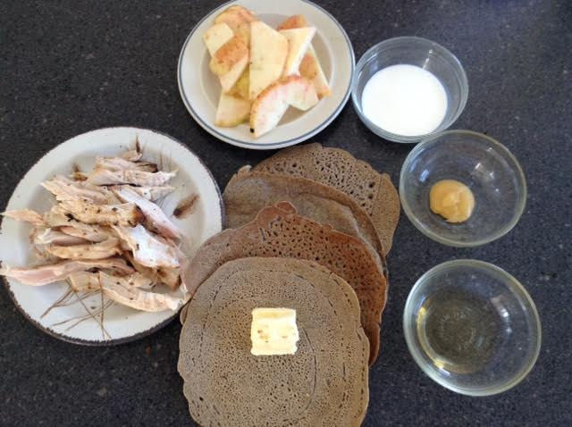 Apple-Chicken Crepes, mise