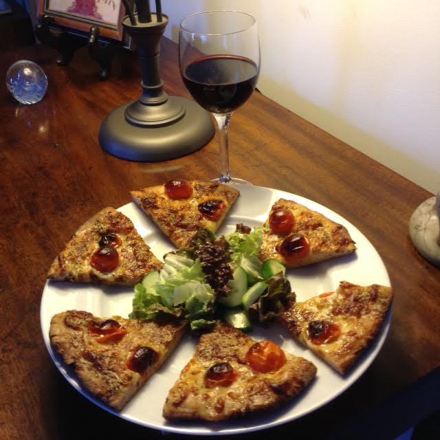 Puglia Pizza w: wine, salad